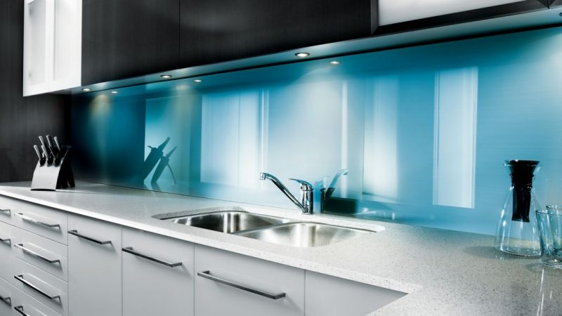 kitchen-glass-backsplash-midas-glass-contractor-singapore