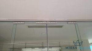 sliding glass door partition midas glass contractor singapore commercial tiong bahru